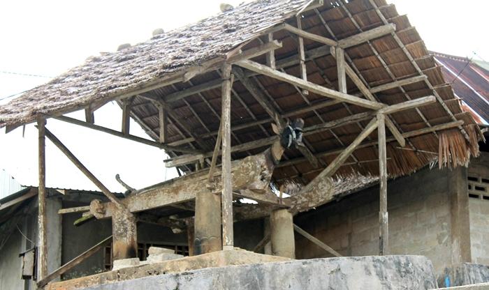 Makam Saõnigeho di Desa Bawõmataluo | Marselino Fau