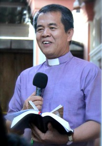 Pdt. Tuhoni Telaumbanua, Ph.D. | FB