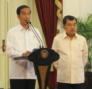 Presiden Jokowi dan Wapres Jusuf Kalla saat mengumumkan pembatalan pelantikan Komjen Budi Gunawan | Setkab.go.id