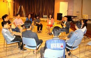 Etis Nehe menyampaikan brief update terkati Nias | LC Indonesia