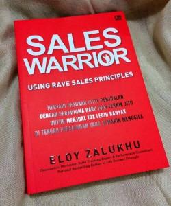 Tampak depan buku Sales Warrior oleh Eloy Zalukhu | FB Eloy Zalukhu