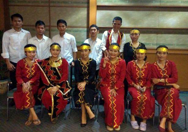 Mahasiswa/i asal Nias yang tergabung dalam Tim Tari Tuwu di Unika Atma Jaya, Jakarta | Tim