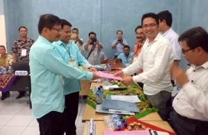 Pendaftaran pasangan Yuliaman Zendrato - Ilham Mendrofa | KPU Kota Gunungsitoli
