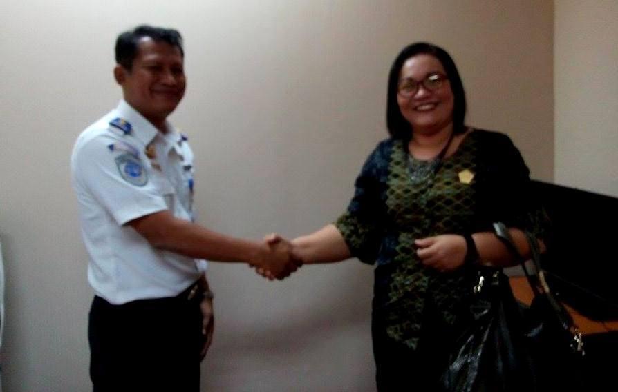 Yulinar Bidaya saat bertemu pejabat Kemenhub | FL Bidaya