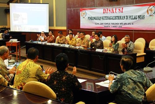 Diskusi Pembangunan Ketenagalistrikan di Pulau Nias di DPD RI pada 1 Maret 2016 dihadiri oleh sejumlah kepala daerah di Pulau Nias | DPD RI