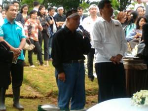 Kolonel Chk Hidayat Manao berbicara mewakili keluarga besar | Kornelius Nehe