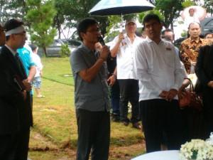 Bupati Terpilih Kabupaten Nias Selatan Dr. Hilarius Duha mewakili masyarakat Nias dan Nias Selatan menyampaikan ungkapan dukacita | Kornelius Nehe