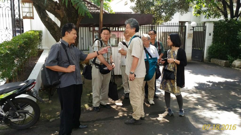 Tim Ahli Jepang dan UGM usai bertemu Unesco di Jakarta. Selanjutnya, akan mengunjungi Desa Bawomataluo | Etis Nehe